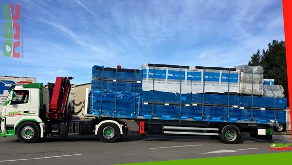 Remorque City pour la livraison de matériaux sur chantier exigu à Arles