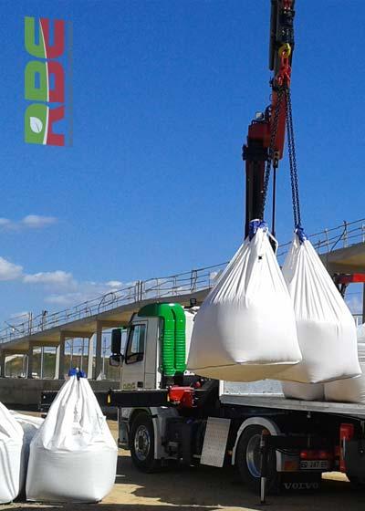 Livraison de matériaux pour chantier de Travaux Publics